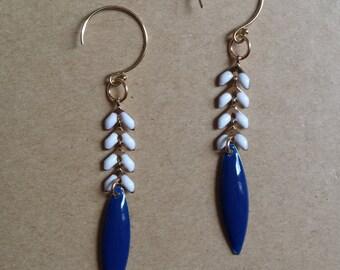 Earrings gold (finishes in 14 Karat Gold) white ears during Navy blue enamel