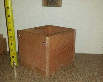 Rustic cedar single planter box