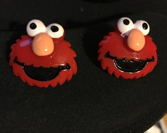 Elmo Stud Earrings  F72