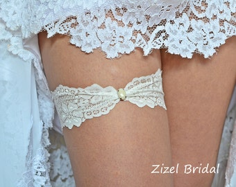 Wedding Garter, Ivory Wedding Garte, Bridal Garters, Rhinestone Garter, Lace Ivory Garter, Unique Garter,Toss Garter, Ivory lace Garter
