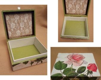 Vintage Feel Wooden Cigar Box