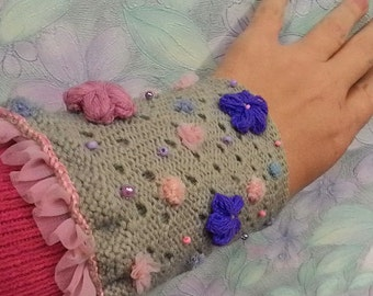 "Knitted Cuff ""MoonFlower"""