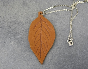 leather necklace, leather jewelry, leaf necklace, boho necklace, leaf pendant, brown necklace, leather pendant, fall necklace, gift for her