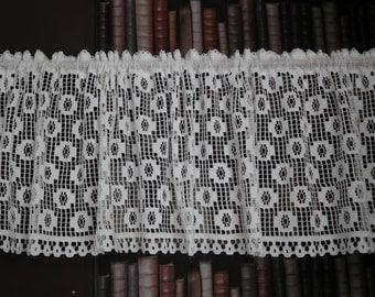 "Vintage white cotton lace window valance shabby chic cottage bris-bise Cafe curtain Scottish lace Shabby chic cottage curtain 15"" drop metre"