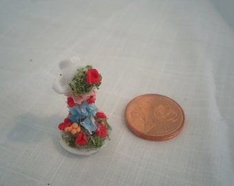 Cup miniature from that cascading flowers until the dish doll house