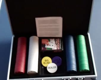 200 Pc Poker Chip Set with Case and Cards Playing Games