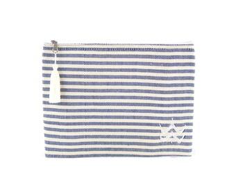 Trousse Foutfouta en tissu fouta bleu foncé - Pompon (tassel) en fils de coton blancs