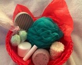 Custom 7 Item Gift Basket w Organic Soap, Lotion, Bath Bombs, Candle, Soap Dish, Flavored Lip Balm & Earth Friendly Recycled Material Loofah