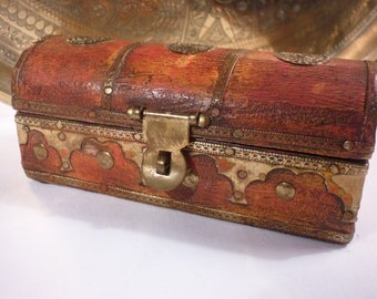 Small Wooden Treasure Keepsake Chest