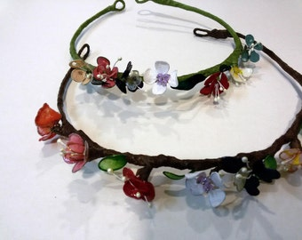 Wreath hair - crown of hair - flower crown - flower wreath - floral crown - bridal tiara - floral headband - hair wreath