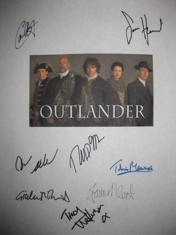 Outlander Signed TV Script Sceenplay x8 Autographs Caitriona Balfe Sam Heughan Tobias Menzies Graham McTavish Diana Gabaldon James Fleet