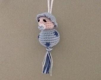 Baby good-luck charm (crochet, 6 cm.)