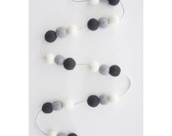 Monochrome Felt Ball Garland, Feltball Garland, Pom Pom Garland, Garland, Home, Nursery, Bedroom, Decoration, Black, White, Grey