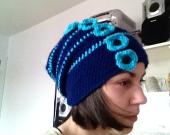 Tuque with flower
