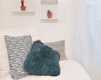Cushion Ezra