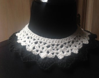 Crochet Collar Black and White