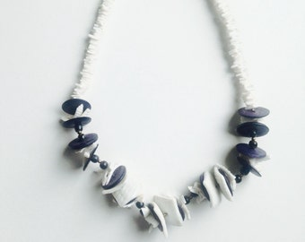 90's Vintage Shell Necklace