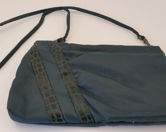 Vintage Genuine Sarne Purse, Green with Strap. 1980s Retro