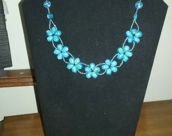 Teal beaded flower necklace