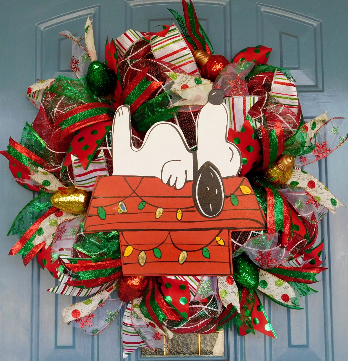 Snoopy On His Doghouse With Christmas Lights Deco Mesh Wreath
