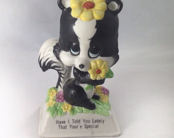 Vintage 1970s Russ Berrie Skunk Youre Special Figurine With Typo!