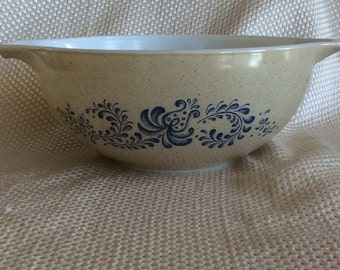 Pyrex Homestead pattern mixing bowl Navy blue and speckles Retro kitchen ware 2.5 litersl