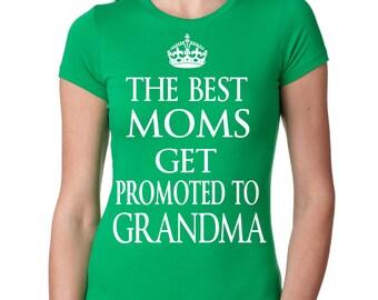 Grandma Baby Announcement Gift For Grandma T-shirt Baby Shower Gift For Grandmother T-shirt