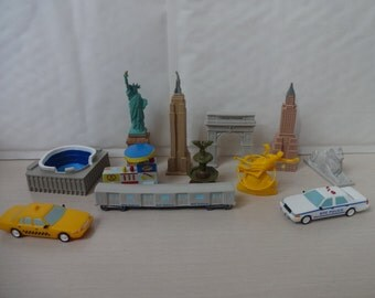 Mister A Gift Around The World Series - new york set of 12 plastic Cake Toppers