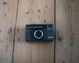 Kodak 66x instamatic camera with case