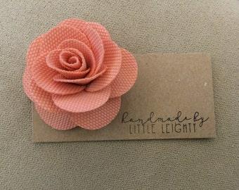 Peach floral hair clip - 2in.