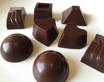 Handmade Organic Artisanal Chocolates - Box of 12 (Raw, Vegan, Free of Refined Sugar)