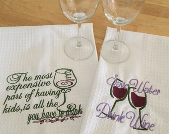 2x Cotton Tea Towels with Wine Sayings