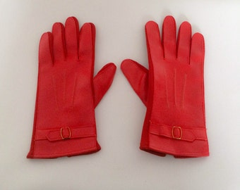 1970s Red Vinyl Gloves with Buckle Vintage