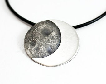 Pendant Bright Silver Moon