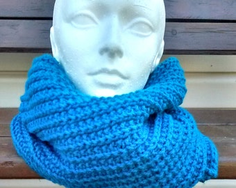 Infinity scarf teal, can make two laps, knitted by hand