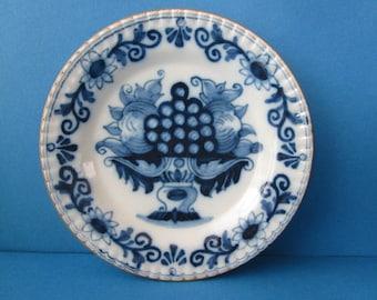 "A Handpainted Vintage Dutch Makkum Dish 6"""