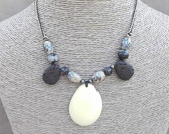 """Chic ethnic trends in """"vegetable ivory"""" necklace and semi precious stones"""