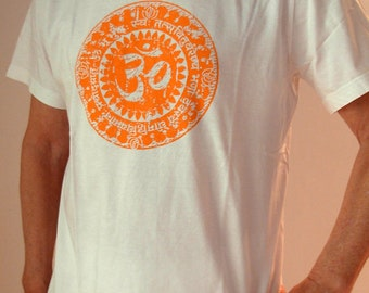"""t-shirt unisex organic cotton yoga """"Gayatri Mantra"""""""