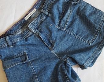 Vintage High Waisted Tommy Hilfiger Shorts Size 8