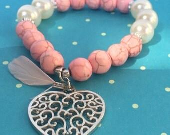 Rose heart pearl bracelet with heart charm, elastic bracelet, pink, boho bracelet