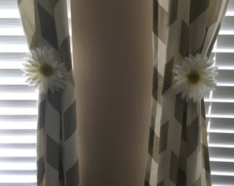 Flower curtain tie back