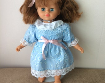 Unimax Doll, she open and close eyes, vintage