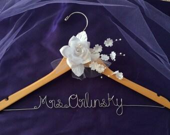 CUSTOM Wedding Hanger,Bridal Hanger,Personalized wedding Hanger,Bride's Gift,Bridesmaid Hangers,Custom Made Hanger,Mrs Hanger,Shower Gift