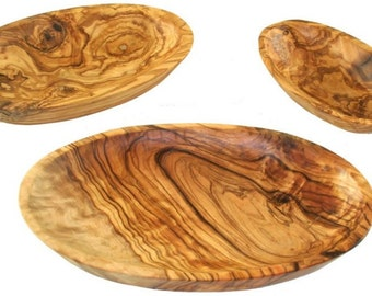 Set of olive wood oval dishes
