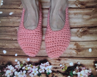 woman house slippers