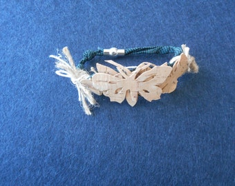 Bracelet, butterfly fabric strap and magnet closure