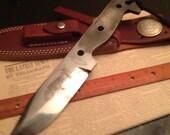 Camp Survival Messer 1095 Ton gehärtetem Leder Mantel Skelett Frosch geätzt