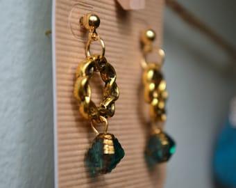 Braided gold stud earrings - green