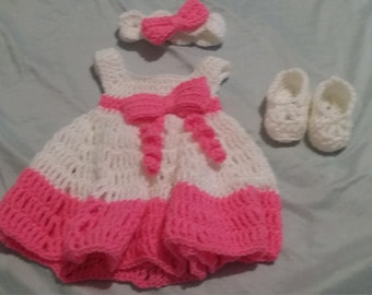 0-3 months Infant Dress Booties and Headband Pink and White