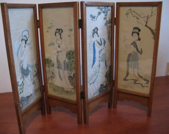 Beautiful old antique mini folding screen in miniature with women, birds and flowers... 30s.